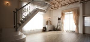 天井が高く圧迫感の無いスタジオです